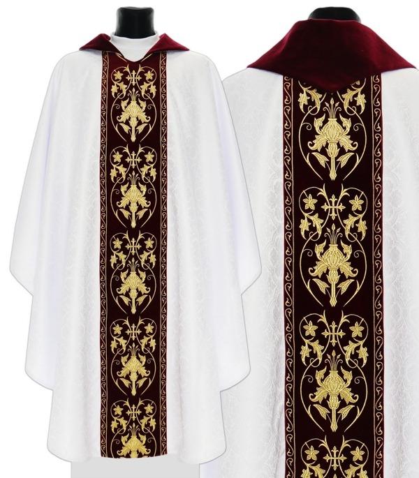 Gothic Chasuble  model 557