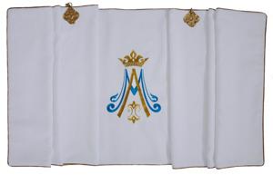 Marian Humeral veil